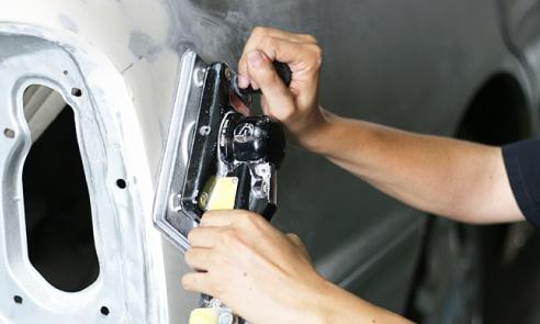 天龍自動車の板金塗装サービス